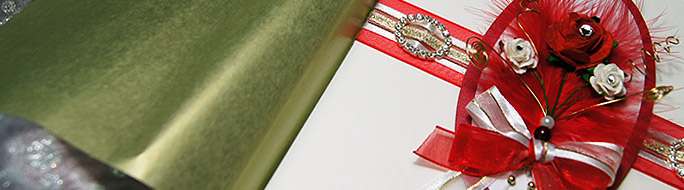 christmas card with red, white roses and wire detail