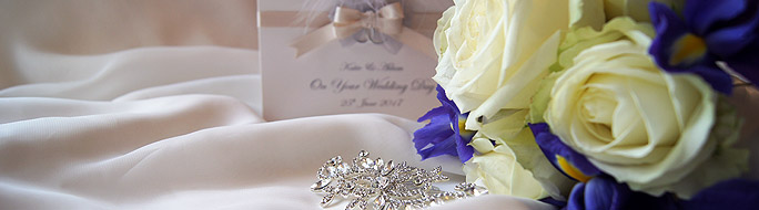 wedding card with bridal bouquet